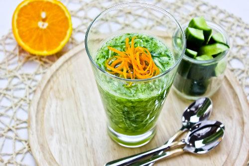 Gurkensalat mit Orangensaft